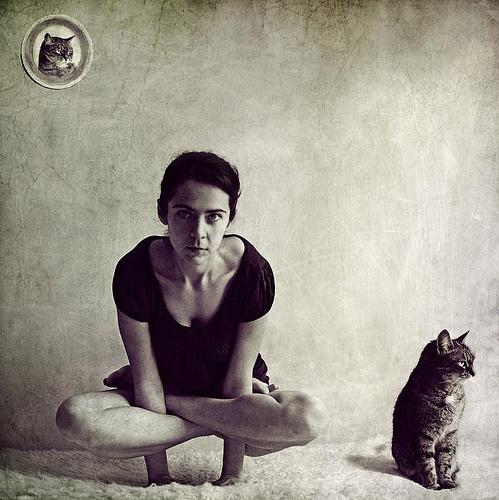 Фото йога поза лотоса падмасана