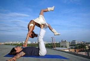 acro article 1  Акройога к нам пришла: школа полетов тайский массаж парная йога акробатика акро йога