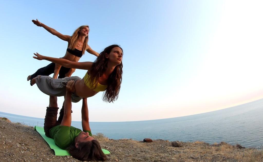 estetika  Акройога к нам пришла: школа полетов тайский массаж парная йога акробатика акро йога