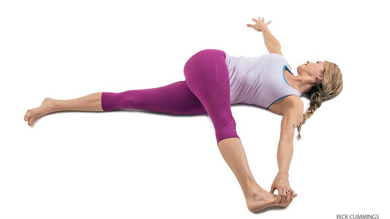 supta padangushthasana  Бережем колени: включаем в работу правильные мышцы: отстройка колени йога здоровье коленей анатомия йоги