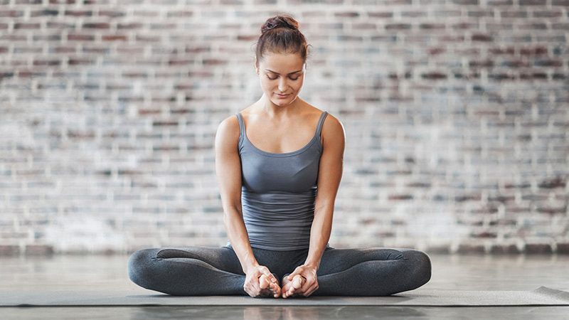 baddha konasana  Йога анатомия: Как добиться мобильности и стабильности в тазобедренных суставах: