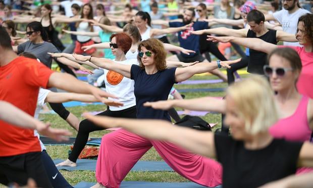 Йога бывает причиной болей и травм — подтверждает исследование: