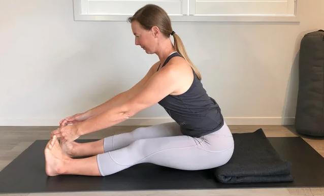 4 особенности осанки, которые наиболее часто приводят к травмам во время йоги: