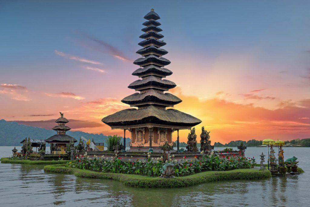 Йога туры на Бали с Александром Раевским:  с 9 по 22 ноября 2019  и С 29 декабря по 7 января 2020: